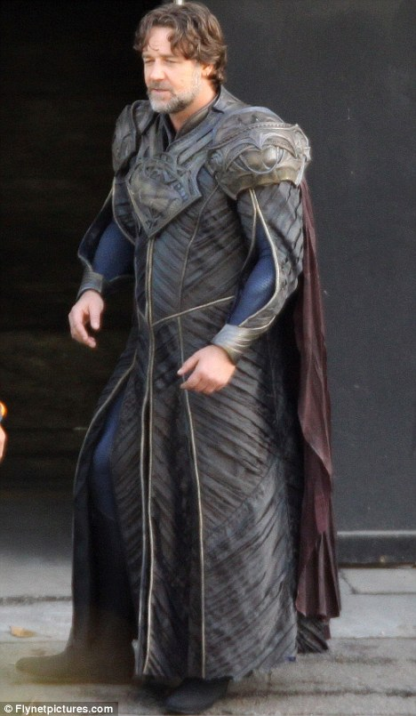 Jor El on set