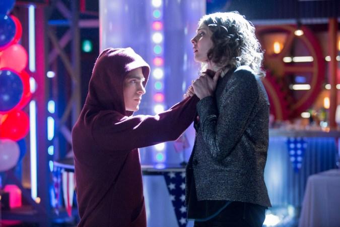 Colton Haynes as Roy Harper and Willa Holland as Thea Queen in Arrow