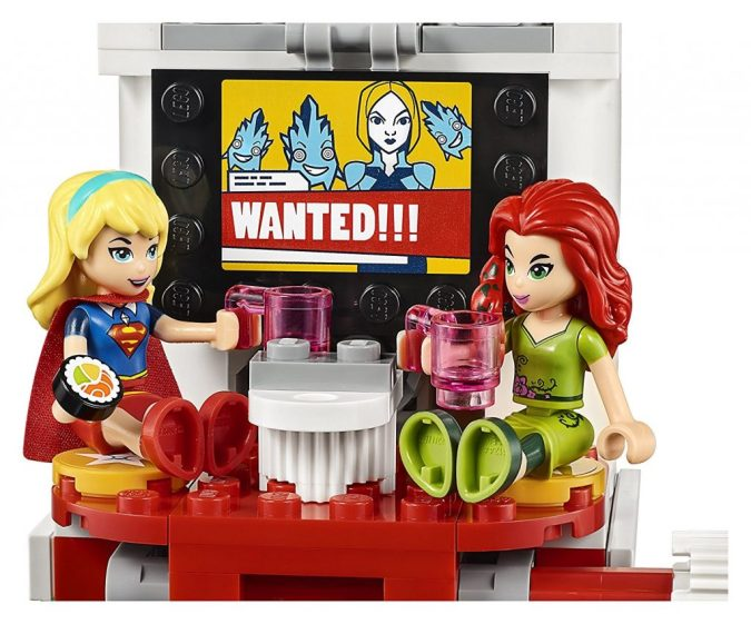 Supergirl and Poison Ivy Lego mini-dolls