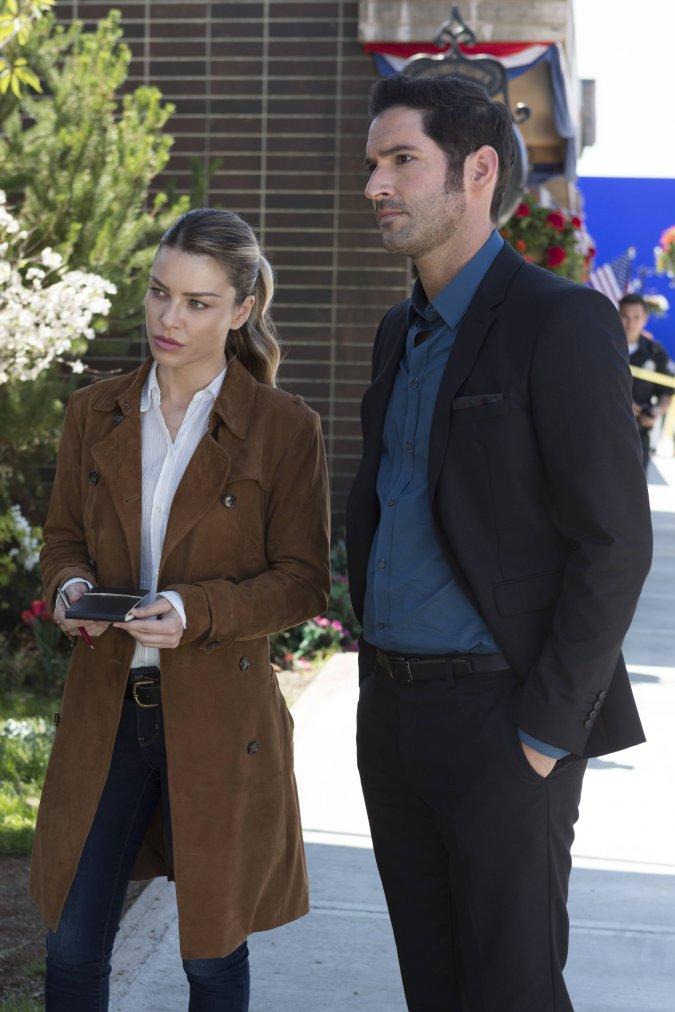Lauren German and Tom Ellis in Lucifer Season 2