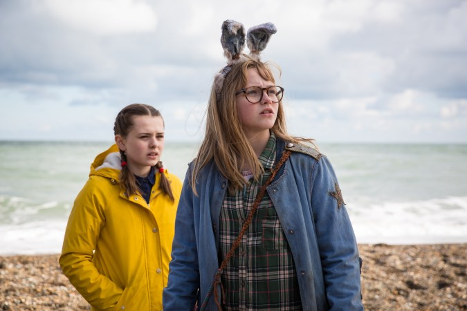 Imogen Poots and Madison Wolfe in I Kill Giants