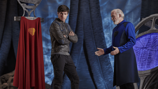 Seg-El (Cameron Cuffe) and his hologram grandfather Val-El (Ian McElhinney) in Krypton