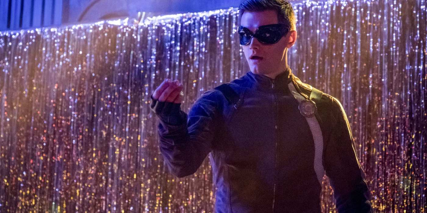 Hartley Sawyer Fired From The Flash After Racist, Misogynistic Tweets