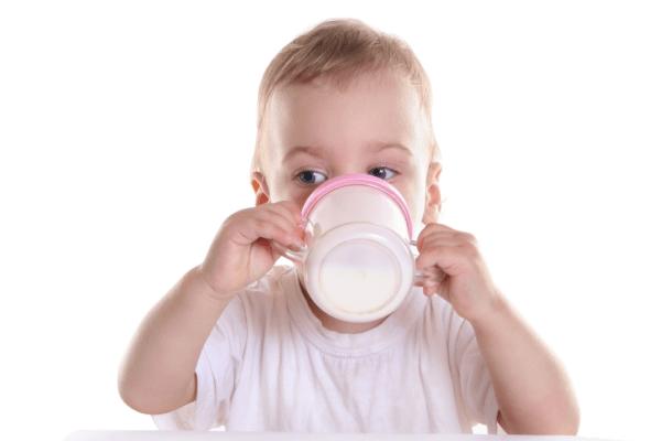 O meu bebé pode beber leite vegetal?