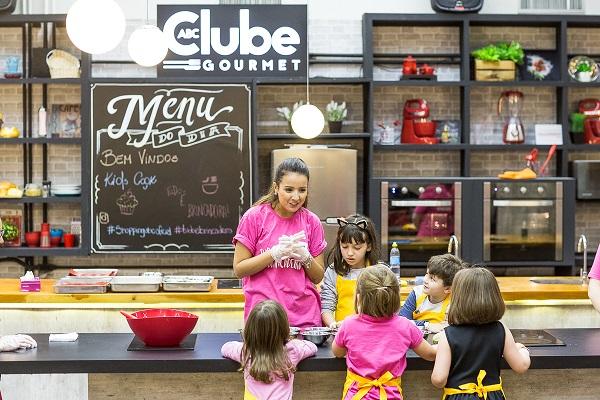 Shopping ABC realiza oficinas gastronômicas para crianças