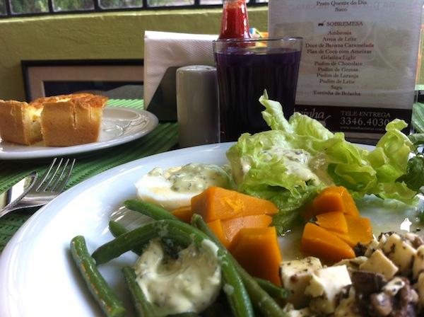 Salada do Aninha Comas: vontade de ser vegetariano