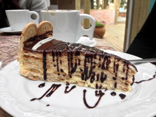 cafe-cenario-torta-alema