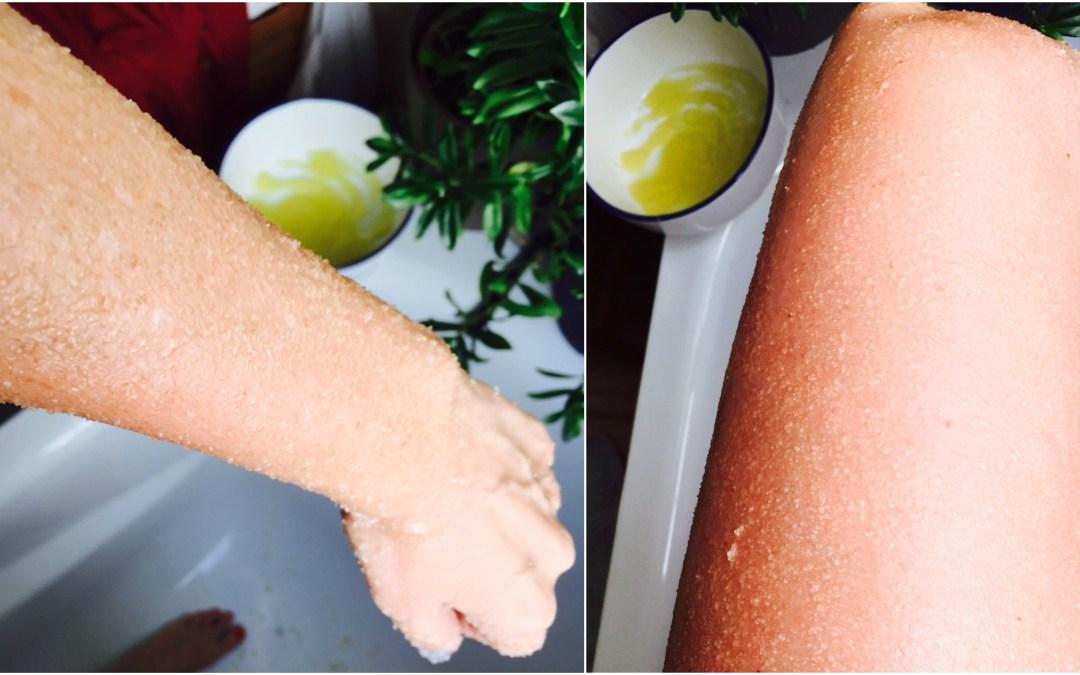 12 meses, 12 hábitos saludables: en marzo exfoliar la piel