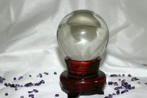霊感占いの水晶