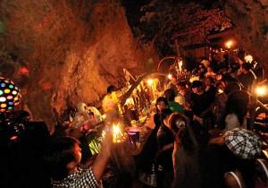 洞窟bar