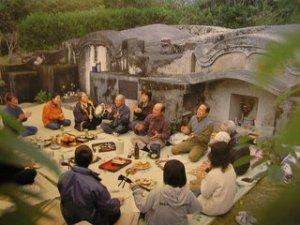 4月中旬はお墓でピクニック