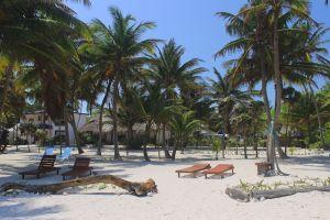 Playa-Sonrisa-Beach-Chairs