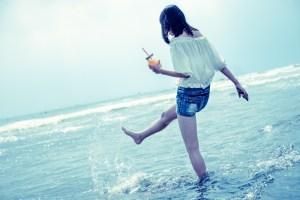 海面を蹴り上げる
