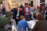 Nicola Fratoianni firma per il referendum contro l'Italicum 12 Aprile 2016 piazza Montecitorio presidio in difesa della Costituzione