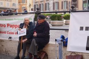 12 Aprile 2016 piazza Montecitorio presidio in difesa della Costituzione