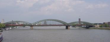 Cologne ! Le Hohenzollernbrück sur le Rhin - 2007
