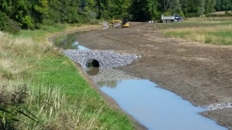Cours d'eau Marais de la Presqu'île après les travaux d'aménagement.