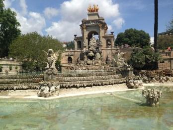 Cascata monumental, primeira obra da cidade com a participação de Gaudí