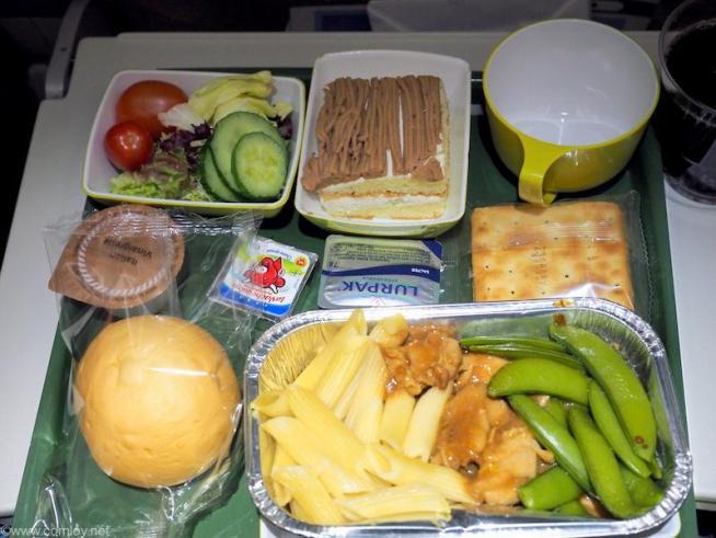 エチオピア航空 ET673 成田-香港エコノミークラス機内食