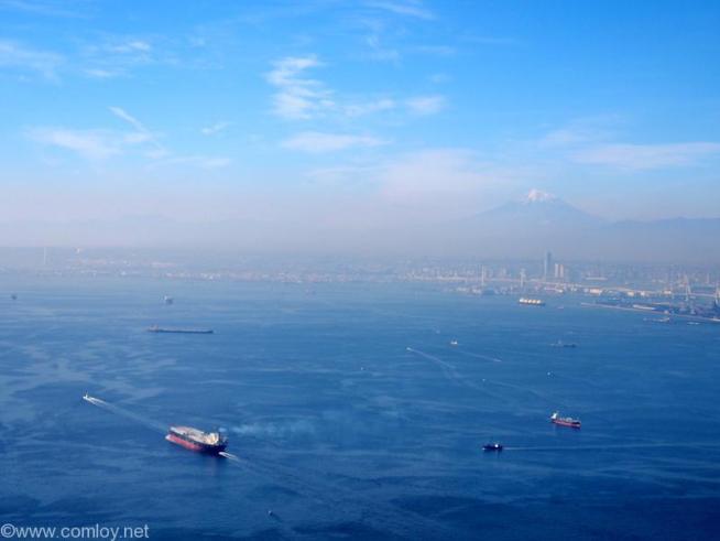 富士山と横浜ベイエリア