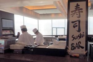 成田空港 JAL ファーストクラスラウンジ 寿司BAR
