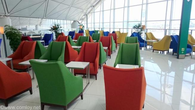 香港空港 タイ航空ビジネスクラスラウンジ
