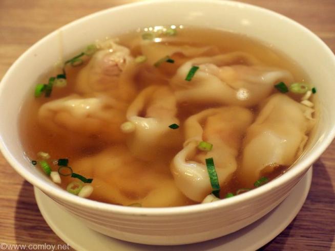 鼎泰豊(本店) 海老と豚肉入りワンタンスープ