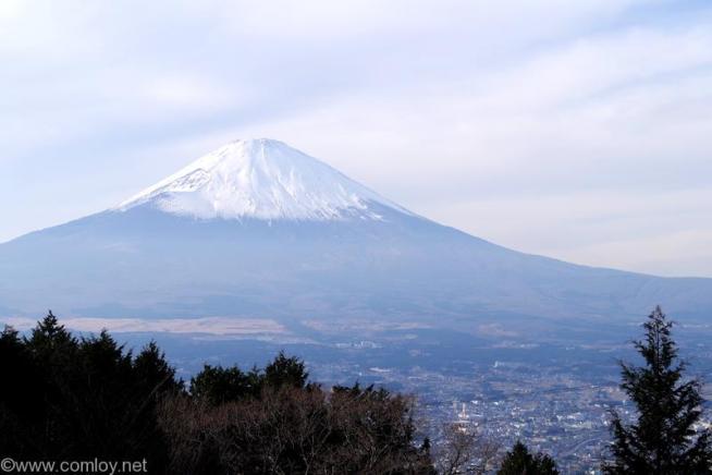 新東名自動車道路 駿河湾沼津SA 下り線からの富士山