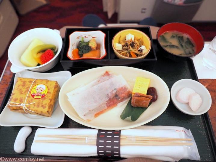 日本航空 JAL902 那覇 - 羽田 国内線ファーストクラス機内食 全景