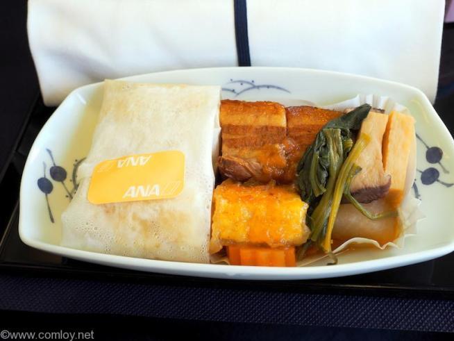 2017年3月 全日空 NH824 台北 (桃園) - 成田 ビジネスクラス機内食 主催 豚角煮 五目ご飯