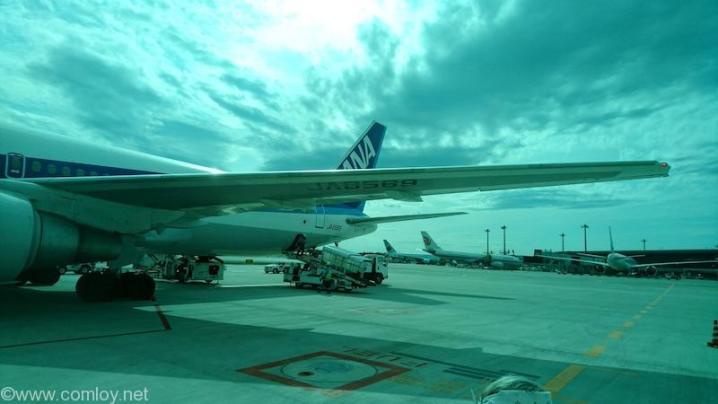 ANA2158 那覇 - 成田 成田空港到着