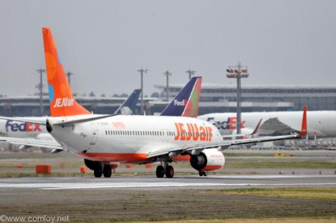 チェジュ航空 ( JEJU air ) B737-800 機体番号HL8049 型式737-8AS 製造番号36570/2573 登録2015/11