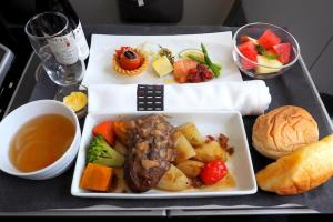 日本航空 JL96 台北(松山) - 羽田 ビジネスクラス 機内食