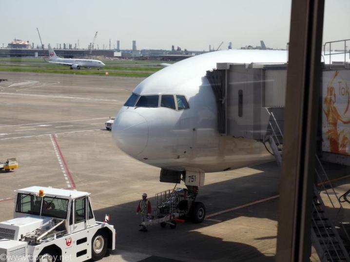JA751J B777-300 Boeing777-346 27654/458 2003/11