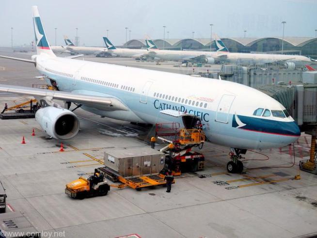 キャセイパシフィック CX768 香港 - ホーチミン A3330-300 AirBusA330-343X 548 2003/09