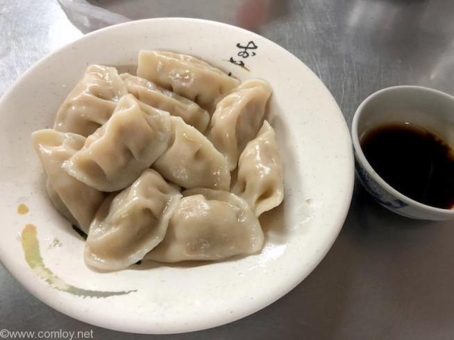 「富宏牛肉麺」の水餃子