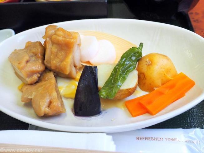 日本航空 JAL906 那覇 - 羽田 ファーストクラス 機内食 グリルチキンの西京味噌