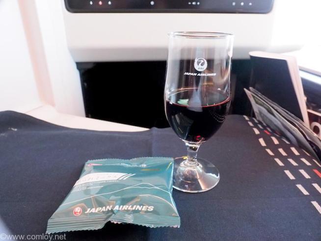 日本航空 JL31 羽田 - バンコク ビジネスクラス 機内食 赤ワイン