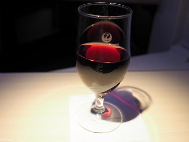 日本航空 JL34 バンコク - 羽田 ビジネスクラス機内食 赤ワイン