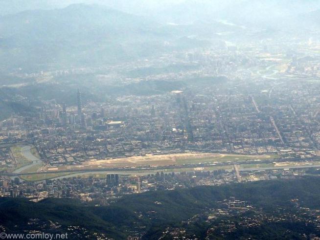 台北 松山空港