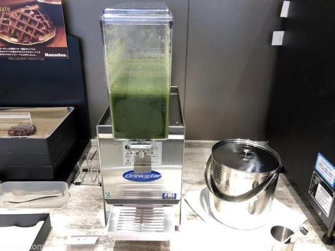 伊丹空港 ANA SUITE LOUGE 青汁
