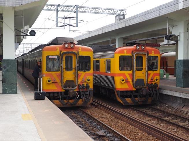 台東駅 特急列車