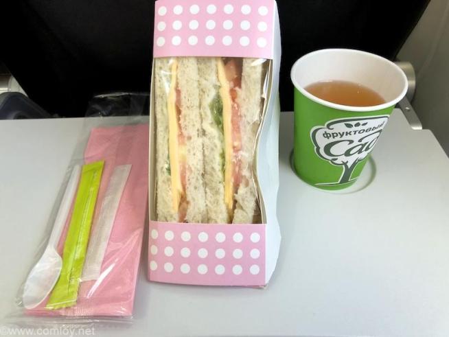 S7航空(シベリア航空) S7 6282 成田 - ウラジオストク エコノミークラス機内食