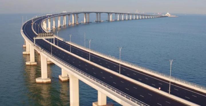 「港珠澳大橋」香港政府観光局より引用