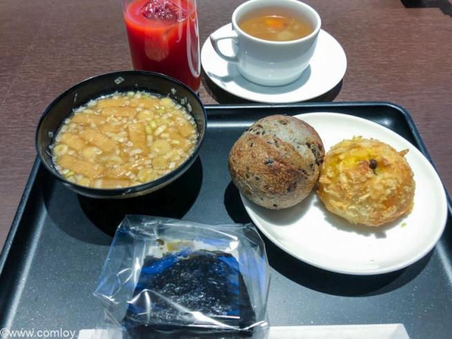 羽田空港 JAL DIAMOND PREMIER LOUNGE今日の夕食