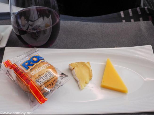 日本航空 JL32 バンコク - 羽田 ビジネスクラス 機内食 チーズの盛り合わせ