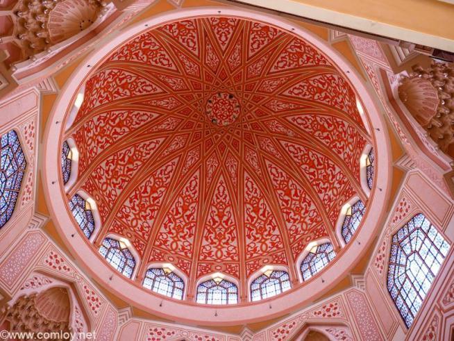 プトラモスク (Putra Mosque) 通称ピンクモスク