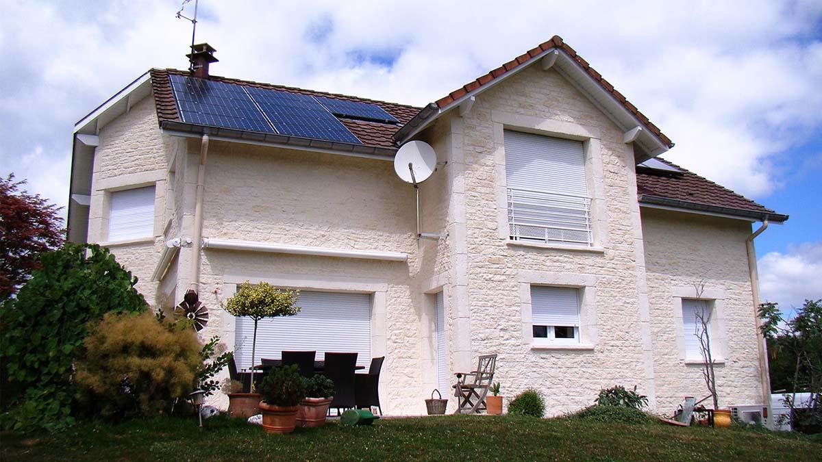 facade enduit imitation fausse pierre calcaire sur maison neuve 54000 Nancy