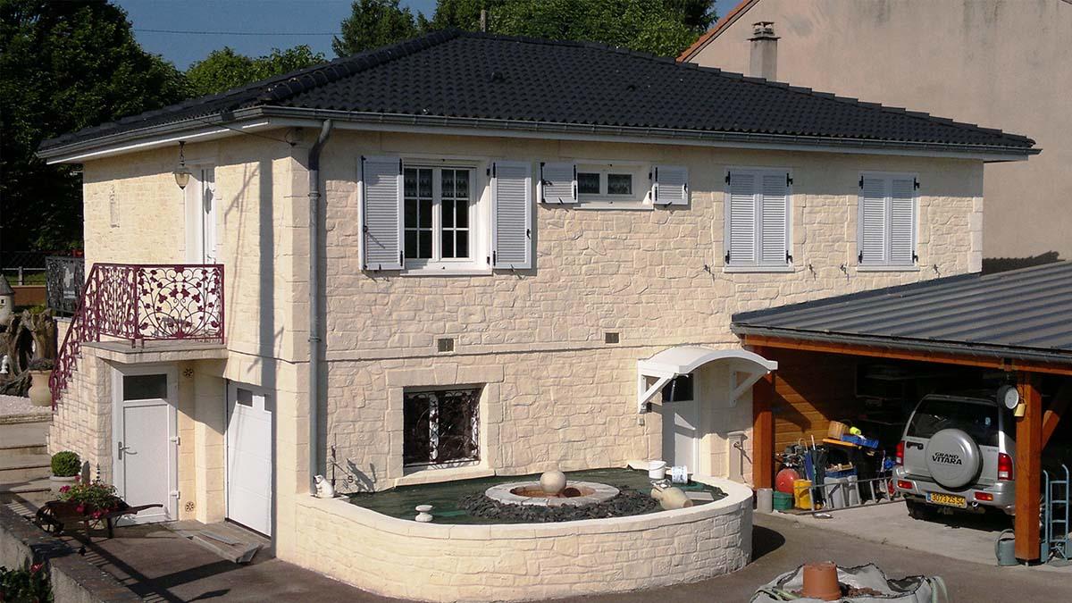 maison avec crépis fausse pierre blanche à Nancy 54000