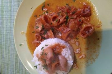 Sepia encebollada con tomate 8